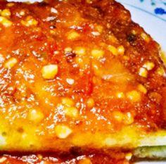 Crepes de Surpresas com Molho de Tomate - http://www.receitasja.com/crepes-de-surpresas-com-molho-de-tomate/