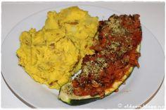 Fylte squash og gul potetmos. Cauliflower, Gluten, Vegetables, Food, Blogging, Cauliflowers, Meal, Head Of Cauliflower, Essen