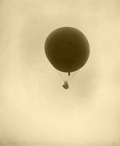 A balloon in flight at the 1910 Los Angeles Air Meet at Dominguez Field. (Bizarre Los Angeles)