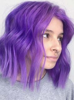 Ladies who wanna make their bob haircuts more elegant than ever they must see here for awesome purple hair color shades and highlights to make their bob looks more amazing and cute than ever. Pastel Purple Hair, Light Purple Hair, Hair Color Purple, Hair Dye Colors, Cool Hair Color, Purple Bob, Short Purple Hair, Lilac Hair, Ombre Hair