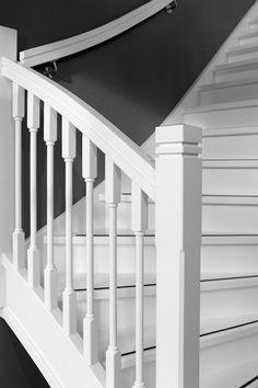 FSC trappenhardhouten trappenJaren 30 stijlKOMO keurmerkModerne trappenVuren trappen