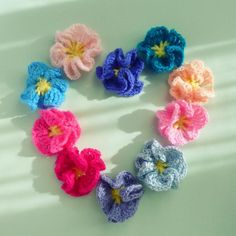 - crochet applique flowers
