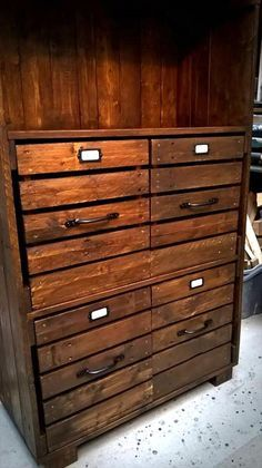 Pallet Chest of Drawers / Bookcase / Cabinet   99 Pallets