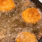 Holandský rezeň • recept • bonvivani.sk Palak Paneer, Ale, Ethnic Recipes, Food, Ale Beer, Essen, Meals, Yemek, Eten