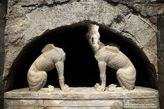 Anfinopoli, Alexander The Great tomb? Greek tomb at Amphipolis is 'important discovery' Alexander The Great Tomb, National Geographic, Alexandre Le Grand, Macedonia Greece, Ancient Tomb, Ancient Aliens, Ancient Artifacts, Greek Art, Ancient Greece
