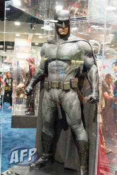 SDCC 2015 : DC Comics - Batman v Superman: Dawn of Justice Costumes ...