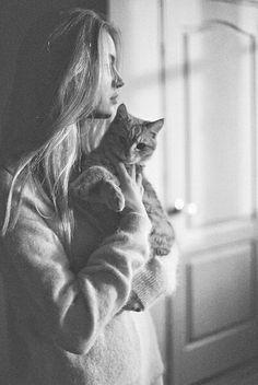Necesito una foto así con mi gato ❤️