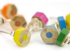 Crayon de la boucle doreille clous Upcycled bijoux par lydswann