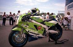http://3.bp.blogspot.com/-z0xsSZ62NfY/UJm7nZ5qWYI/AAAAAAAABrQ/yDMuwshsaR4/s1600/deanadams.Doug+Chandler's+Muzzy+Kawasaki+Superbike,+Brainerd+WSBK,+1990.jpg