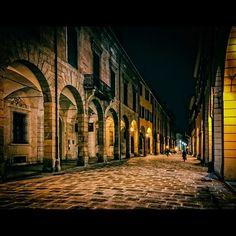 #Bologna i caldi colori di #stradamaggiore - Instagram by mgtirapani