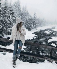 Winter is so close 😍 😍 ☃ ️☃ ️❄ winter outfits φωτογραφία, Winter Instagram, Photo Instagram, Disney Outfits, Winter Drawings, Snow Pictures, Snow Senior Pictures, Snow Outfit, Winter Pictures, Winter Photography