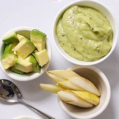 This Avocado, Pear + Kiwi Baby Food Puree is a sweet puree that has a fun citrusy twist. Great for baby 6 months and older, stage 2 baby food. Avocado Baby Food, Avocado Pear, Healthy Baby Food, Food Baby, Baby Puree Recipes, Pureed Food Recipes, Baby Food Recipes, Kiwi, Toddler Meals