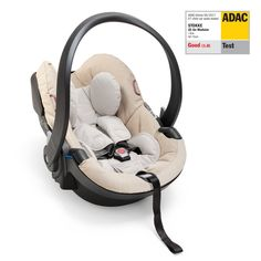 Safety First: The Stokke iZi Go Modular car seat is ADAC certified. * Not available in the US