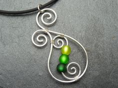 Necklace Aotearoa with Polarisbeads GREEN New by ArohaJewelz- would make cool bracelette