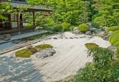 Jomyo-ji,-Kamakura-Sand-Garden - Jōmyō-ji - Wikipedia, the free encyclopedia