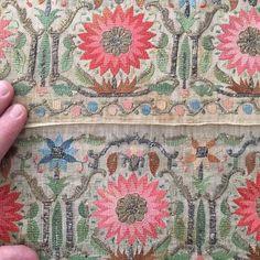 """19""""yy tülbent yağlık. #antique#antiqueembroidery#ottoman#goldmetallicthread##silkvelvet#embroidery#handembroidery#turkish#istanbul#qatar#dubai#jeddah#ottomanempire#antiquejacket#fashion#royal#antiquetextile#textileart#artofhandwork#antika#antikatekstil#riyadh#doha"""