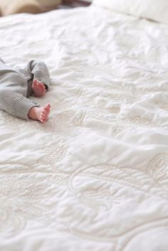 Pin by liandie krause on life goals foto baby, fotobuch baby Lifestyle Newborn Photography, Children Photography, Photography Outfits, Photography Props, Editorial Photography, Newborn Pictures, Baby Photos, Sleeping Baby Pictures, Family Photos