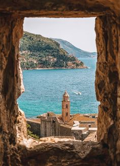 Dubrovnik is an amazingly intact walled city on the Adriatic Sea coast in the south of Croatia. Discover the best attractions and things to do in Dubrovnik. Oh The Places You'll Go, Places To Travel, Travel Destinations, Places To Visit, Travel Tips, Travel Goals, Travel Info, Travel Hacks, Time Travel