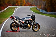 1983 Honda CB1100F RetroMod1_red