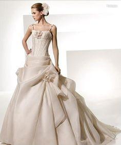 Organza Spaghetti Straps With Asymmetrical Pick Up Ball Gown Skirt Fashion  New Wedding Dress Wedding Dress c672d97f7f35