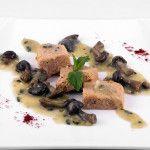 Pastel de merluza y setas con salsa de menta fresca -El Alpiste Vinos y Tapas