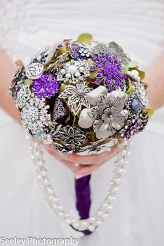 Seeley Photography   Bride Meets Wedding Vendor   Iowa, Illinois and Wisconsin Wedding Inspiration and Planning Tools   Unique Brooch Bouquets