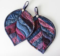 PatchworkPottery: quilted leaf potholders