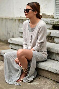 Look monocromatico! Adoro cinza mescla e esse estilo todo folgadão! casual + comfy