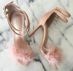 ✖️Back in Stock✖️ This year round favorite is back & now available for purchase Search: DEJAVU Cute Shoes, Me Too Shoes, Shoes Heels Boots, Heeled Boots, Style Blogger, Color Lila, Baskets, Shoe Closet, Womens High Heels