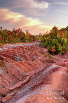 Gorgeous Martian like landscape formed from red and gray eroded clay Cheltenham Badlands Ontario Canada HDR image O Canada, Canada Travel, Visit Canada, Ottawa, Quebec, Places To Travel, Places To See, Travel Destinations, Torre Cn
