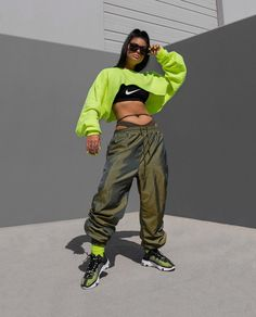 Neon Outfits on Home Architecture Tagged on Neon Outfits. Neon Outfits, Sporty Outfits, Swag Outfits, Spring Outfits, Trendy Outfits, Hip Hop Dance Outfits, Neon Dresses, 90s Fashion, Fashion Outfits