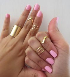 I don't wear rings... but if I did, I'd try this look because I think the gold rings are really cool.
