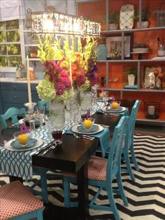 bright and beautiful dining room Color Mixing, Color Pop, Willow House, Bright Homes, Beautiful Dining Rooms, Annual Meeting, Best Part Of Me, Schedule, My House