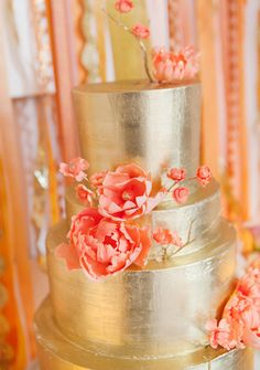 More metallic cake inspiration - Photo credit: Heather Waraksa