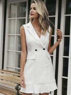 Moda anti-idade: 17 Vestidos clássicos para mulheres modernas White Outfits For Women, Blazer Outfits For Women, Work Dresses For Women, White Women, Workwear Fashion, Blazer Fashion, Fashion Outfits, Womens Fashion, Petite Fashion