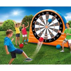 Summer is a great time for parties, reunions, and backyard family fun! Make your summer entertaining tons of fun! Check out these 35 Ridiculously Fun That Are Borderline Genius! Perfect for families or parties! Fun Outdoor Games, Backyard Games, Outdoor Play, Fun Games, Games For Kids, Outdoor Games For Teenagers, Outdoor Toys For Kids, Field Day Games, Darts Game