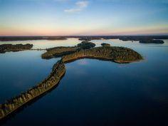 Jääkauden muovaama harju halkoo Saimaata. Finland Travel, Helsinki, Landscape Photos, Natural Beauty, Outdoor Living, Nature Photography, Beautiful Pictures, Scenery, Around The Worlds