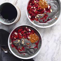 raw + vegan PB and Purple Berry Smoothie Bowl recipe // inmybowl.com