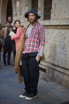 Modern Fashion = Bum LOL! The pattern combination rocks though.