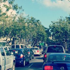 There was a busted water main at the #hiltonhawaiianvillage # Waikiki with a #70s #filter #friday #evening #trafficjam