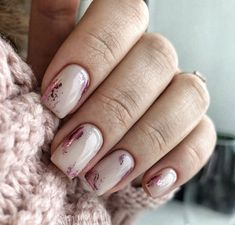 Whoever said nail art requires longer nails has never tried this trendy art on short nails. If you browse online, you'll be bombarded with an array of nail art designs in no time. Winter Nail Designs, Nail Art Designs, Cute Nails, Pretty Nails, Classy Nails, Milky Nails, Nagellack Trends, Nail Polish, Foil Nails