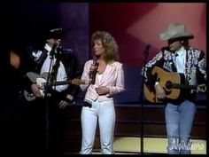 Buck Owens, Dwight Yoakam, Patty Loveless Perform (1988)