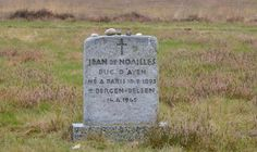 Grave at Bergen-Belsen by Jeanleharve on Panoramio.