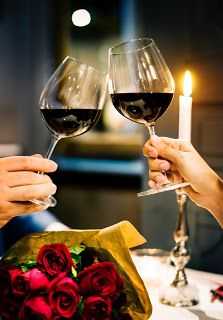 Your Tuscan Wines Guide: Get the Best Glass of Red Fotos Download, Types Of Red Wine, Home Wine Cellars, Day Date Ideas, Wine Guide, Romantic Dinners, Romantic Ideas, Romantic Restaurants, Romantic Things