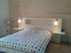 Notre chambre - Mur lambris et tête de lit home made