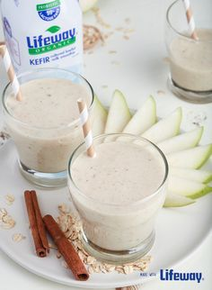 Start your day off right with our hearty Oatmeal, Pear and #Kefir Breakfast smoothie.