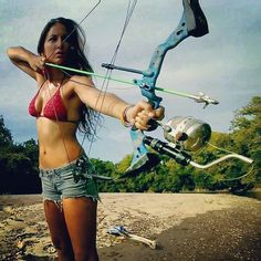 archery fishing tips Archery Girl, Archery Bows, Archery Hunting, Coyote Hunting, Pheasant Hunting, Archery Range, Bow Hunting Girl, Bow Hunting Women, Woman Archer