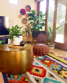 New Stylish Bohemian Home Decor and Design Ideas Colourful Living Room, Boho Living Room, Living Room Decor, Colourful Home, Indian Home Decor, Diy Home Decor, African Living Rooms, Colorful Furniture, Room Rugs
