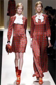 Sfilata Moschino Milano - Collezioni Autunno Inverno 2013-14 - Vogue