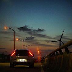 @hualai0110 his V40 by night. Great picture! #volvolöv #volvolove #volvocars #volvo #volvomafia #volvofamily #polestar #swedespeed #volvoV40 #V40